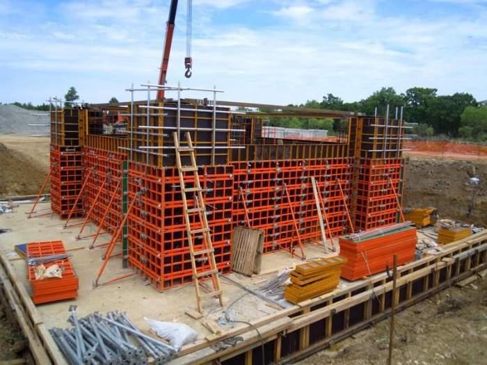 Монолитный бетон в москве цементный раствор объемный вес